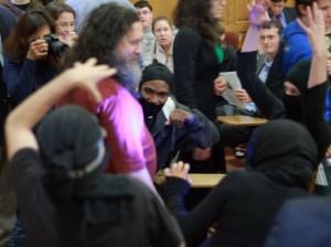 Richard Stallman diserang ninja
