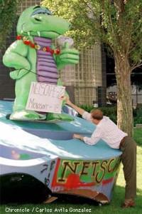 Dinosaurus Netscape Menginjak IE