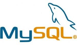 MySQL pada sistem operasi Windows secara otomatis akan mengubah nama tabel menjadi huruf kecil sehingga bermasalah bila menggunakan huruf besar dalam penamaan tabel.